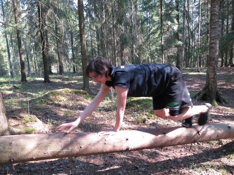 movnat 1 - foot hand balance